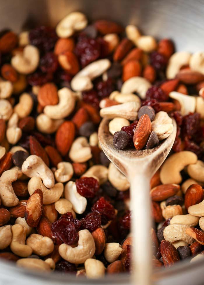 Healthy Dark Chocolate Cherry Trail Mix Recipe