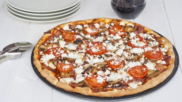 Healthy BBQ Chicken and Feta Pizza Recipe